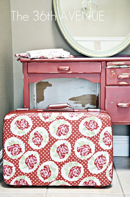 Super tutorial for decorating a suitcase!could use old photos too