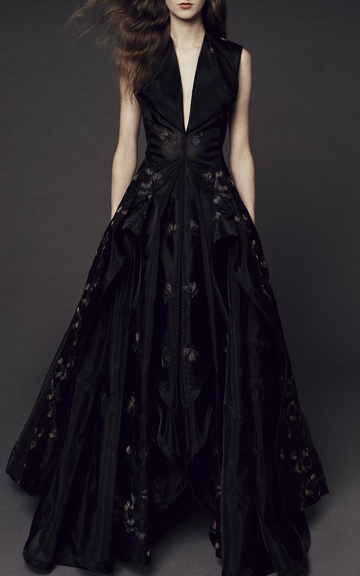 Guipure Lace V neck Gown by Zac Posen | Moda Operandi