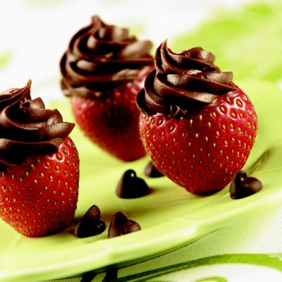 Inside-Out Chocolate Strawberries (Easy; 24 servings) #chocolate #strawberries #dessert