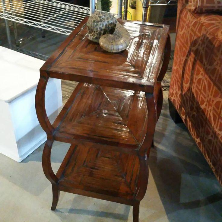 Beautiful Walter E Smithe Henredon 3 Tier Side Table! https://www.instagram.com/p/BAfcqOULG2B/