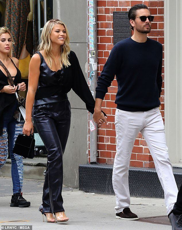 Sofia Richie and Scott Disick in New York | Sofia richie, Insta fashion,  All black outfit