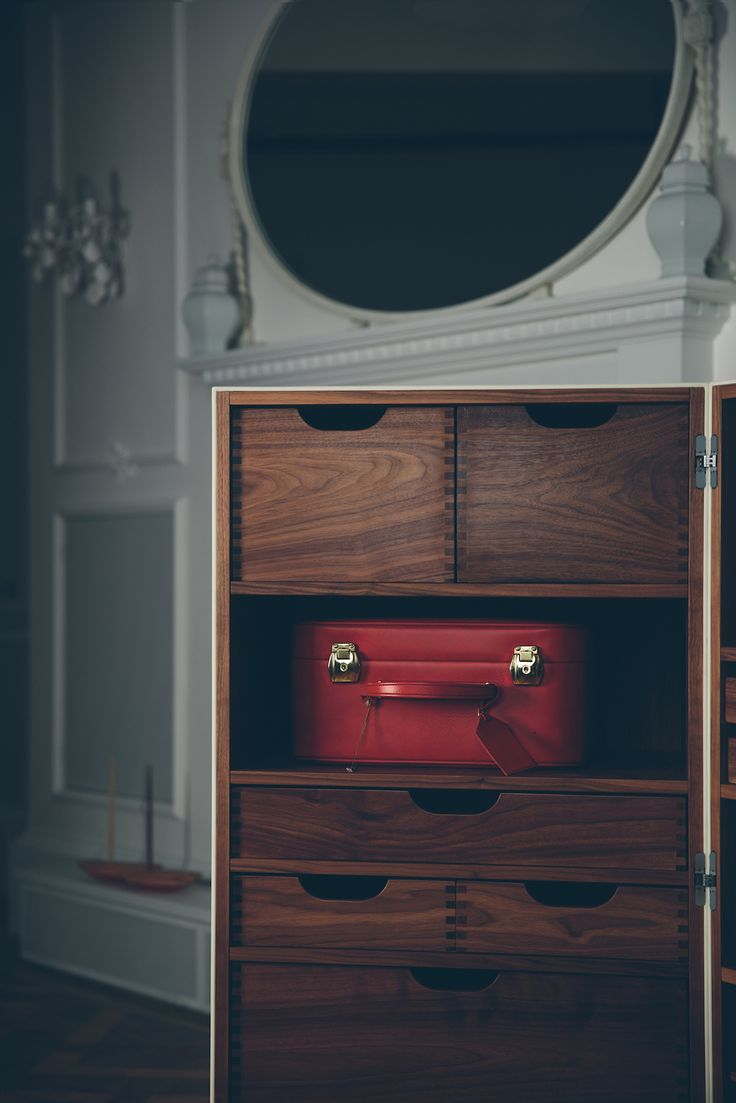 CHATWIN on set #engravings #corian #travel #trunk #design #interior | ph. Tomaso Lisca
