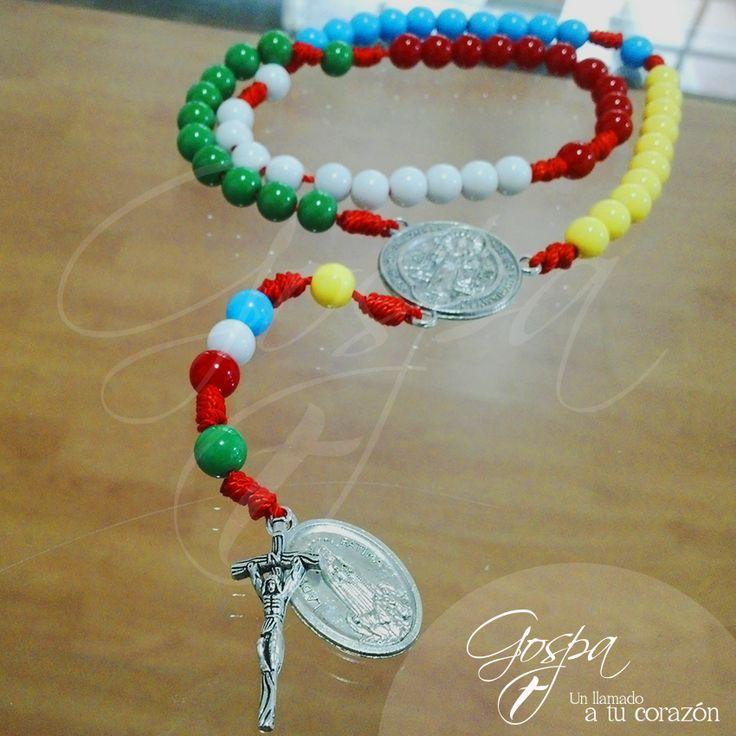 Rosario Misionero para las intenciones de todo el mundo con los colores que representan a cada continente.  Medalla, crucero y cruz en pewter.