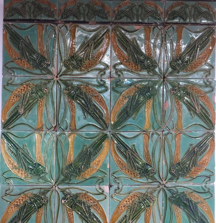 Grasshoppers. Beautiful azulejos at Museum do Azulejo in Lisboa.  http://www.museudoazulejo.pt/