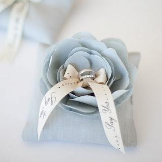 Something blue ring pillow ❤