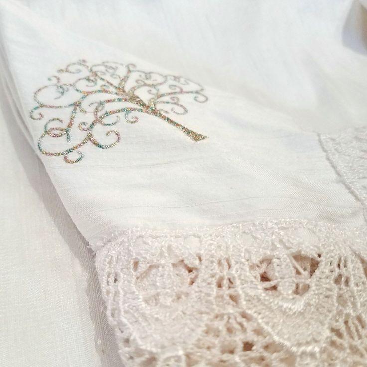 Ivory Chuppah with Lace Edge Hand-held Chuppah for Jewish