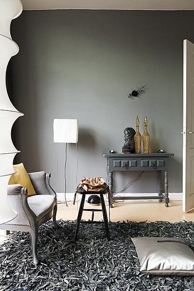 De wand is geverfd met de grijstint Branding van Histor. Photography by Jansje Klazinga JKF®