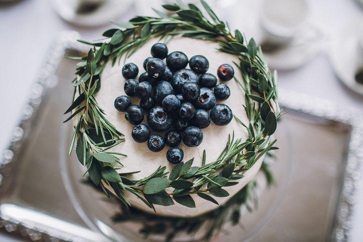 Homemade Wedding Cake - Image by Matt Horan | See the wedding in full here