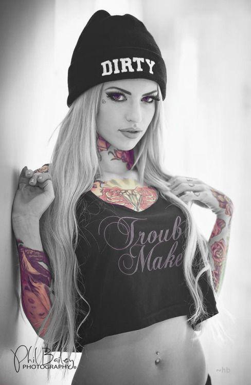 heavily tattooed girls tumblr