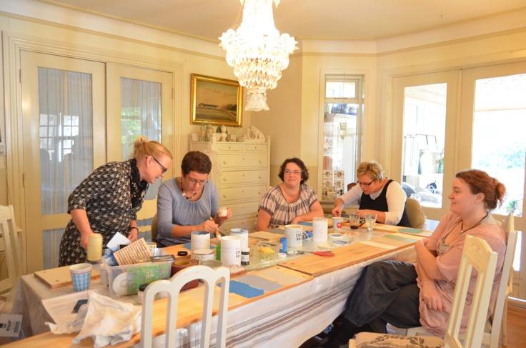 Annie Sloan workshop i Danmark, kursus i maleteknikker hos Karin fra Smukt og Brugt.