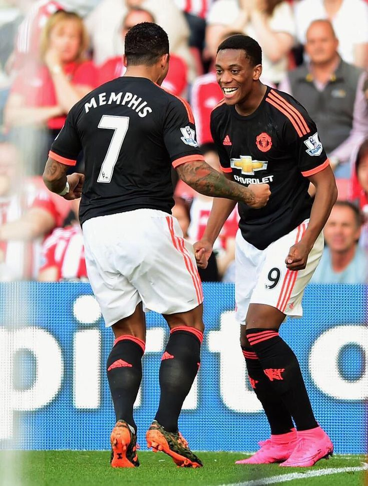 Memphis Depay and Anthony Martial - Manchester United