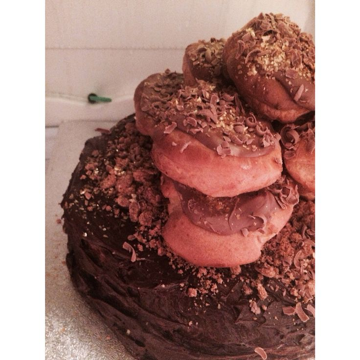 Deadly chocolate profiterole cake I made for a friends birthday :)