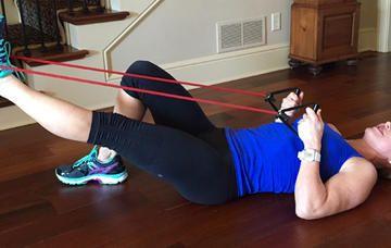 Wenn Sie hockt Kniebeugen und Ausfallschritte, versuchen Sie diese Butt-straffende Bewegungen statt.