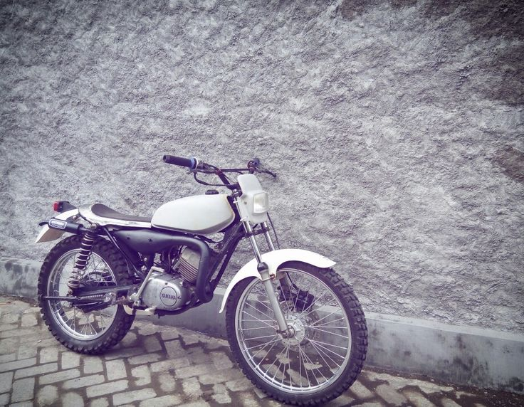 Vintage trial basic by Yamaha RS100