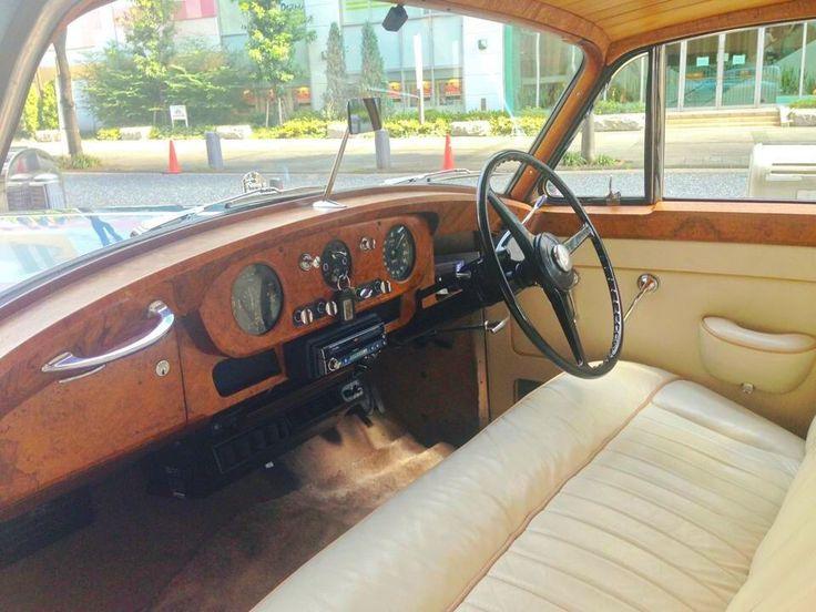 1957 ロールスロイス シューティングブレイク 1957 Rolls Royce Shooting Brake.wagon.  #ロールスロイス #ロールスロイスワゴン #シューティングブレイク #shootingbrake #wagon #中目黒 #アメ車 #ビンテージカー #vintagecar #oldcar #classiccar #midcentury #midcenturyhome #midcenturylife #ギャレットインテリア #エンスー #americanmotors #インテリアショップ #家具屋のロールスロイス