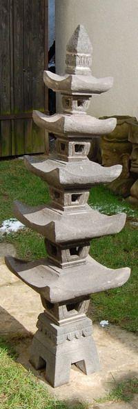 """Die Japanische Steinlaternen sorgen für ein harmonisches Ambiente in Ihrem Garten und sind ein Muss für jeden Koi-Teich. Diese Laterne """"Serong"""" ist aus Lavastein gefertigt, ist ca. 160cm Hoch, ca. 40cm Breit und besteht aus mehreren..."""