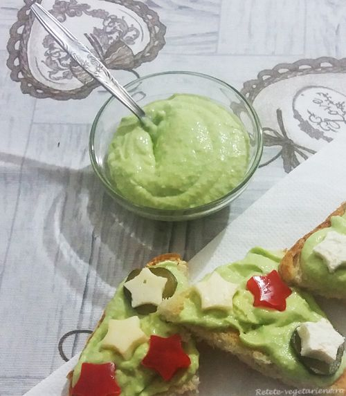 Guacamole cu usturoi - Retete Vegetariene