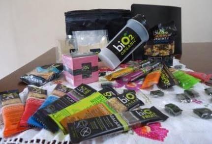 A biO2 possui 12 linhas de produtos naturais, orgânicos e sem conservantes. As linhas são compostas por barras cereais, snacks, suplementos práticos e sucos saudáveis indicados a atletas, alérgicos e intolerantes alimentares.