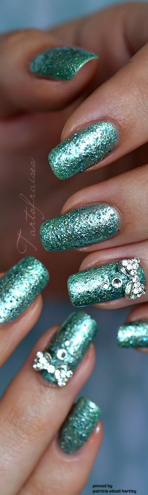 tiffany blue sparkle nails