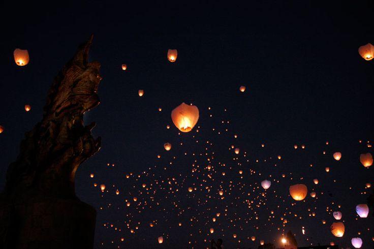 El pasado febrero Cultura Colectiva llevó a cabo, en CC186, un evento en el que invitó a sus lectores y público interesado a realizar globos de Cantoya como ritual de liberación.La dinámica concluyó con el lanzamiento colectivo de los globos en el Parque México, donde se hizo una fiesta de fuego con lámparas de papel.Para […]