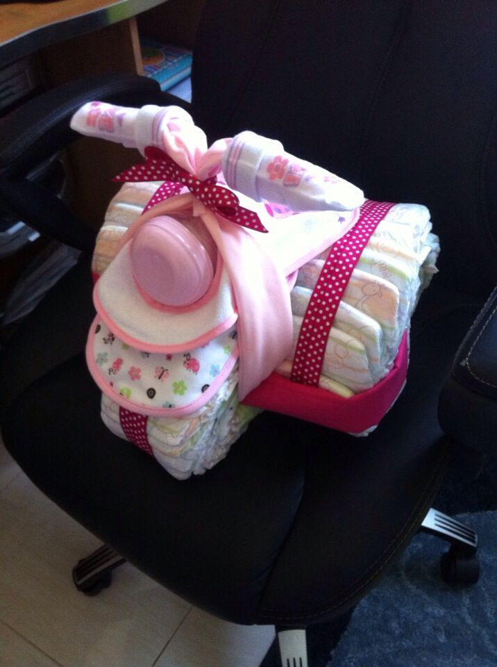Μηχανή γουρούνα από βρεφικές πάνες για κοριτσάκι
