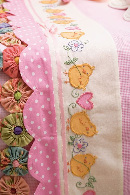 {D.I.Y Tutorial} How to Applique and free little Chicken Feather pattern