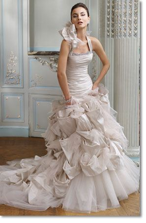 Ian Stuart Wedding Designs (via CALYPSO: Paramount Collection)