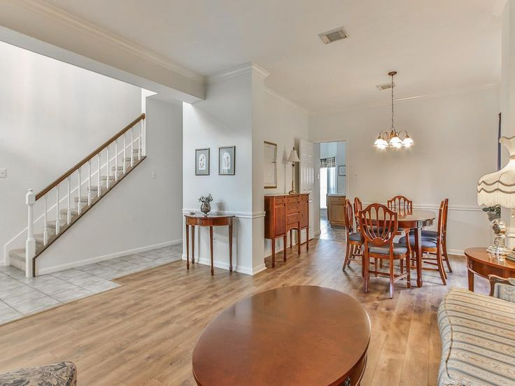 Best Single Family Property For Sale With 5 Beds 2 1 Baths In 640 x 480