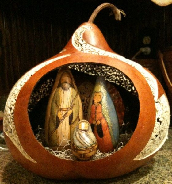 nativity 1 - Gourd Art Enthusiasts...need to find the artist to give credit ... these are gourds ... wonderful art work...