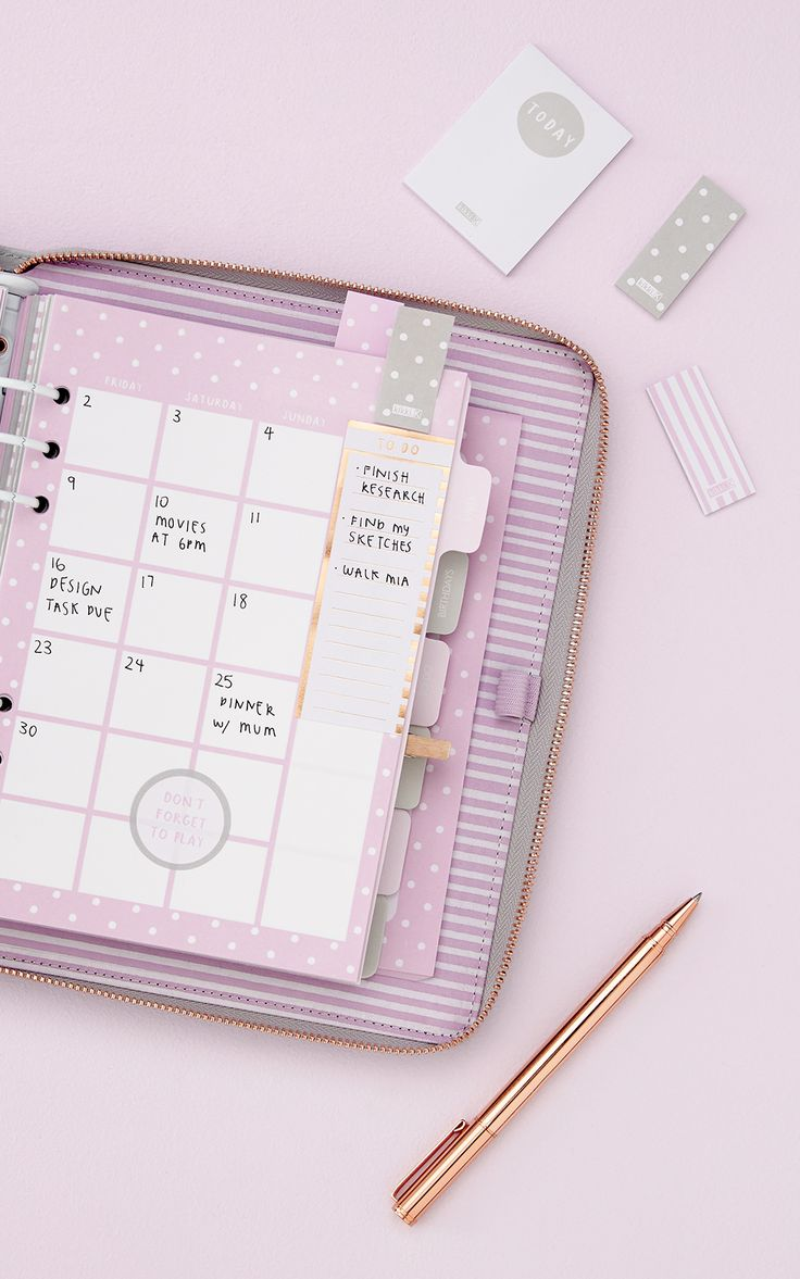 Embrace the planner love with this soft grey, lilac and copper polkatdot planner featuring a zip design.