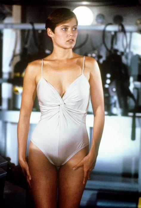 James Bond Girl Carey Lowell As Pam Bovier In Licence To