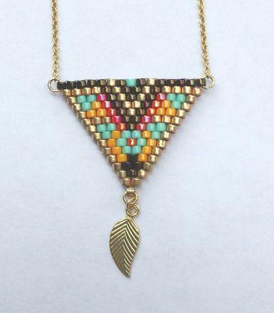 Joli collier minimaliste tout en perles et plaqué or 14 carats !! Finesse, légèreté et élégance pour ce petit collier fantaisie à porter en toute circonstance !! Composi - 18913769