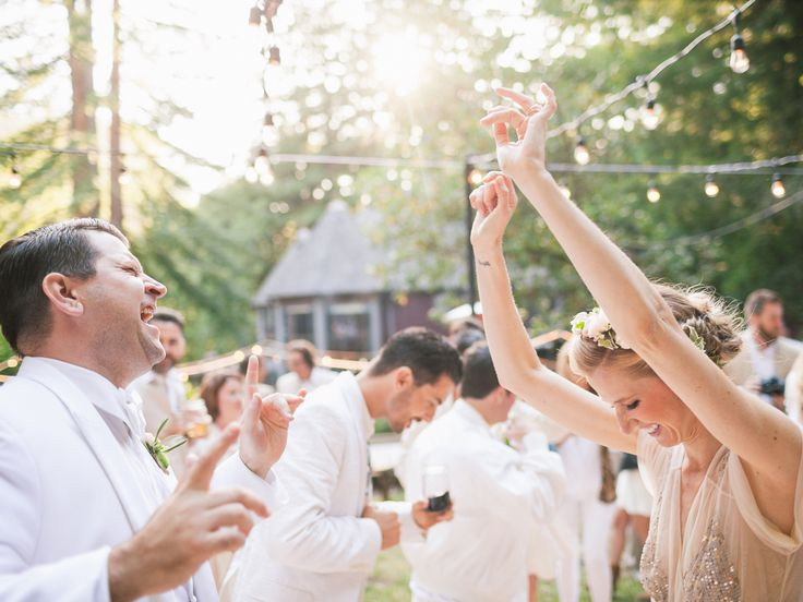 Should You Have A Band Or DJ For Your Wedding Reception Music
