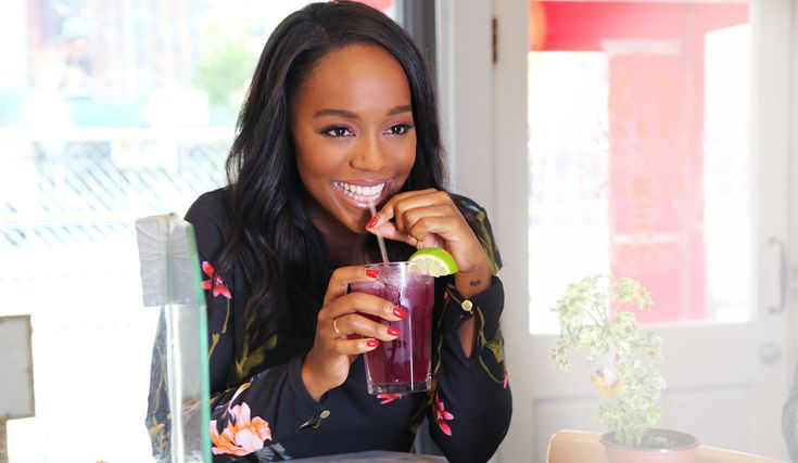 How To Get Away With Murder's Aja Naomi King..On Turkey Meatballs & How To Rock A Bathrobe Like Viola Davis