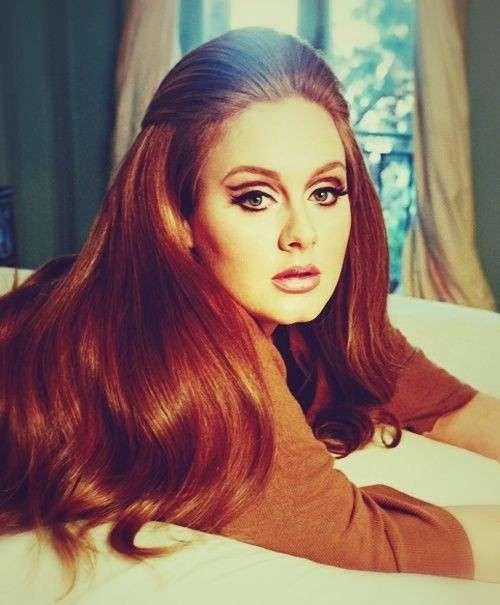 Acconciature stile anni '60 - Adele con pettinatura anni '60