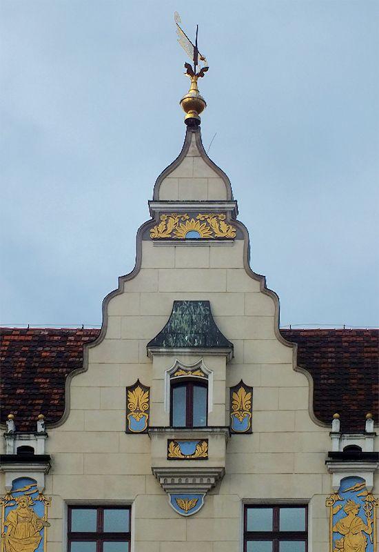 Wroclaw, Poland | ◭ ^ 750°  (znam) https://de.pinterest.com/cycle301/poland/