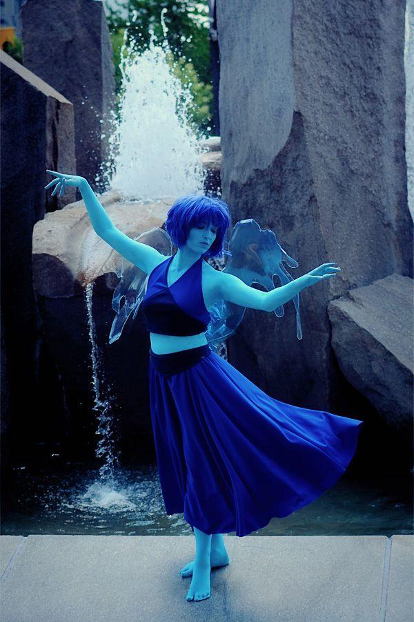 Awsome Lapis Lazuli Cosplay 0.0 :3 :D SU (Steven Universe)http://arda-wigs.com/products/jaguar