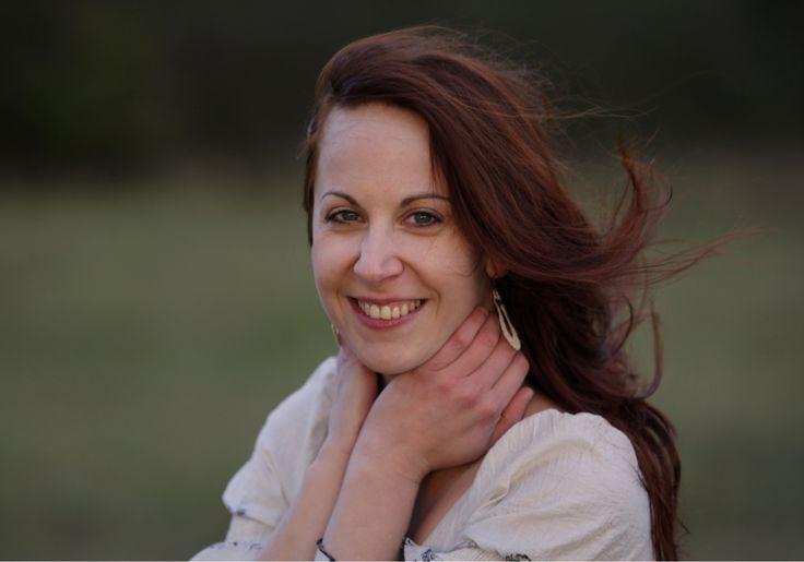 Jedna znajvýraznejších slovenských sopranistiek – Eva Šušková patrí kmimoriadnym zjavom našej hudobnej scény. Rešpektovaná na poli klasickej hudby, odhodlaná experimentovať vrámci tej alternatívnej. Čerstvá držiteľka ceny Radio_Head Awards za najlepší album vkategórii Klasická hudba (album secret VOICE) práve vydáva očakávanú novinku secret VOICE electric. Album svýnimočne intenzívnou dramaturgiou pokrstí 23. mája o18.00 hod. vbratislavskom Pálffyho...