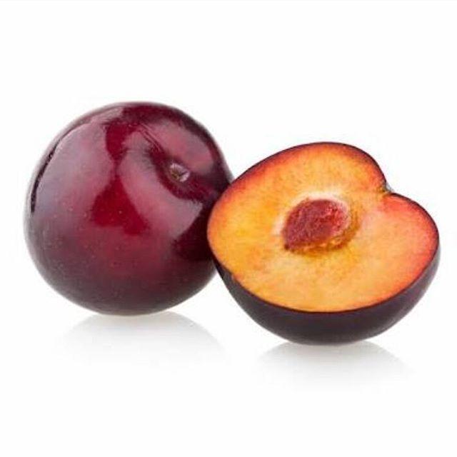 Você conhece os benefícios da ameixa? A ameixa é uma fruta que pode ser encontrada em diversas variedades, tanto seca quanto fresca, e possui diversos beneficios nutricionalmente. É composta por vitamina C, tem ação antioxidante, e contém fibras, sendo aliada no transito intestinal, além de regular os níveis de colesterol, além de ser uma fruta que traz saciedade. Pode ser encontrada in natura (fresca), ou então seca. Ambas podem ser consumidas ao longo do dia, nos lanches intermediários…