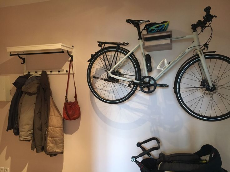 die besten 25 fahrradwandhalterung ideen auf pinterest wandmontierter fahrradst nder. Black Bedroom Furniture Sets. Home Design Ideas