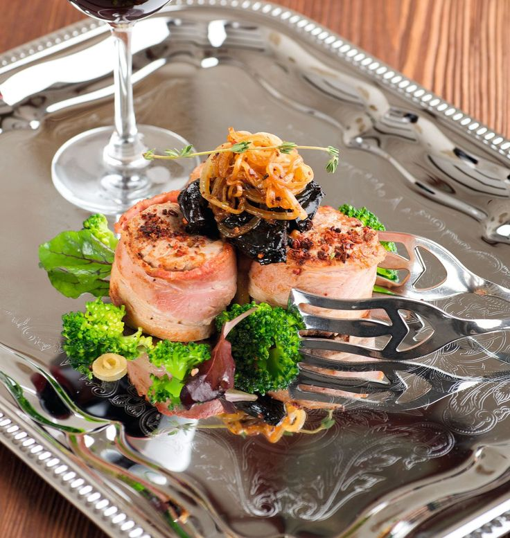 Bacon-Wrapped Pork Medallions with Dried Prunes and Broccoli