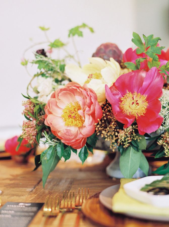 bright and natural floral centrepieces with peonies