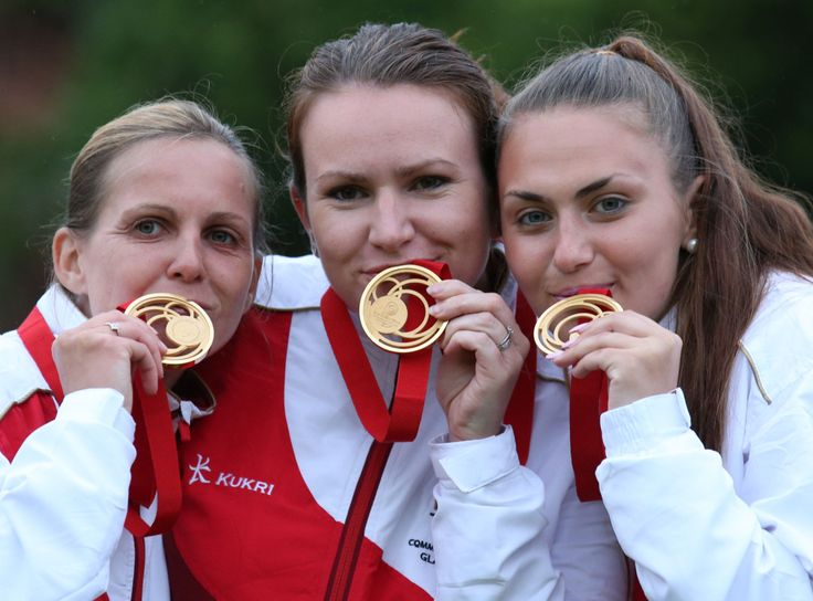 Sophie Tolchard, Ellen Falkner and Sian Honnor with commonwealth gold medal in women's triples lawn bowls