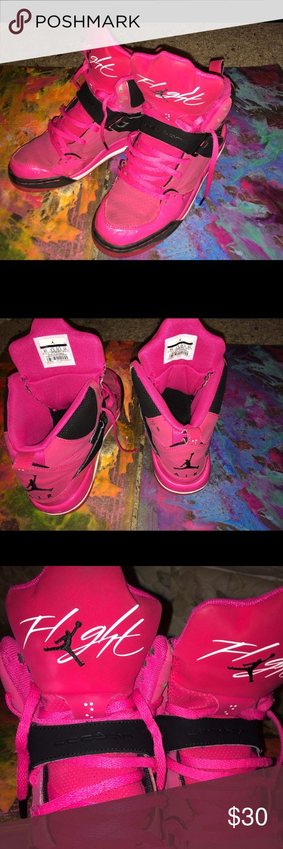 Air Jordan Flight 45 pink high top size 6 Pink, black, and white exterior which have been freshly cleaned but slightly worn (darker discoloration) original lacing as well. Only issue was finding the original price, these bad boys were purchased new from Foot Locker and assumed to be over $100. Jordan Shoes Sneakers