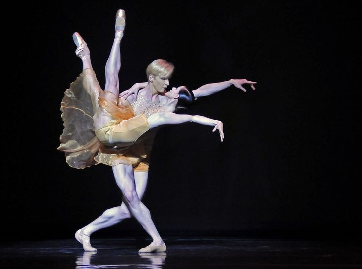 Tiit Helimets and Sofiane Sylve in Edwaard Liang's Symphonic Dances. Photo (c) Dave Morgan.