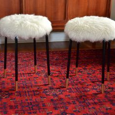 ikea marius stool hack (replace fur with grey cable knit)