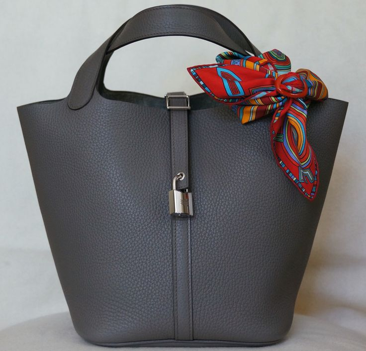 Hermes Picotin Lock bag 22 cm (MM) , Taurillon Clemence in Etain