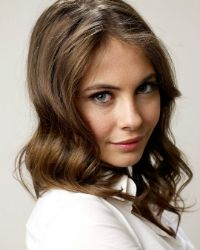 https://i.pinimg.com/736x/52/a8/81/52a881c0f62ac7d20bf263820907d608--holland-people-willa-holland.jpg