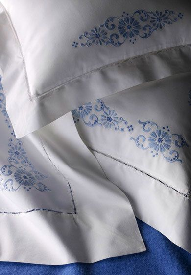 Bespoke bed linens by Léron. Veranda bed linens from the Garden of Earthly Delights collection.