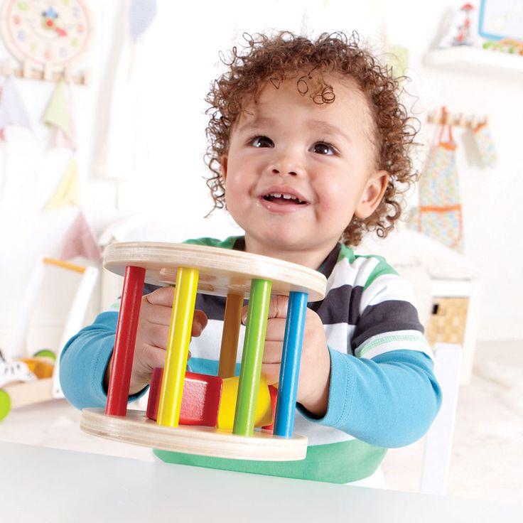 Houten vormenblok inclusief 3 houten vormen. Zo kan jouw kind spelenderwijs vormen leren ontdekken! Geschikt voor kinderen vanaf 1 jaar.